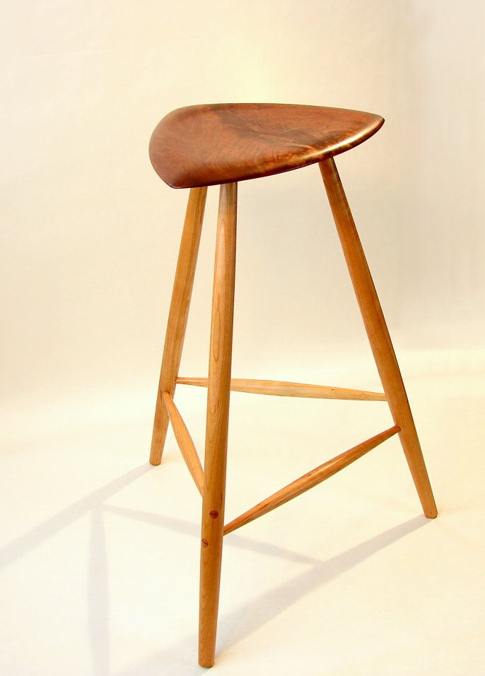 guitar chair stool 2
